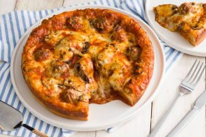How to Make Meatball Pizza